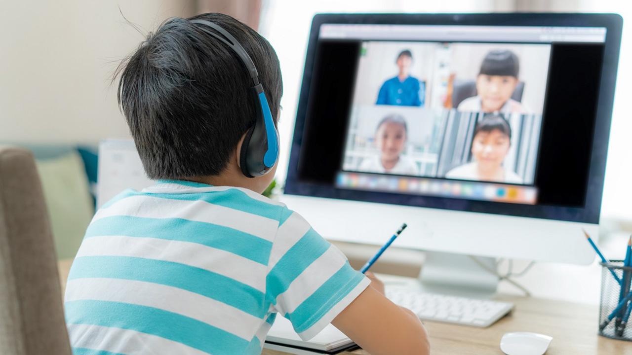 3 ข้อดีของ การเรียนออนไลน์ รูปแบบการศึกษาในปัจจุบันที่น่าสนใจ